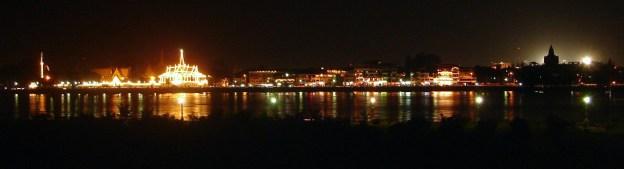 PhnomPenh-Riverside-NightView